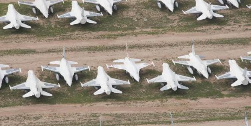 Retired F-16 Fighting Falcons sit at the 309th Aerospace Maintenance and Regeneration Group's Aircraft and Missile Storage and Maintenance Facility on Davis-Monthan AFB, AZ, on August 2, 2017. The AMARG is the largest aircraft storage and preservation facility in the world (U.S. Force photo by Staff Sgt. Perry Aston).